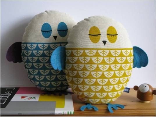 """""""Robin and Mould Owl Cushions Soft toy"""""""