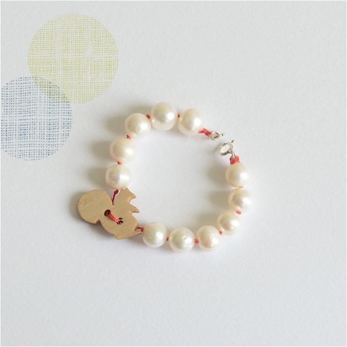 """""""pearl bracelet for girls"""""""
