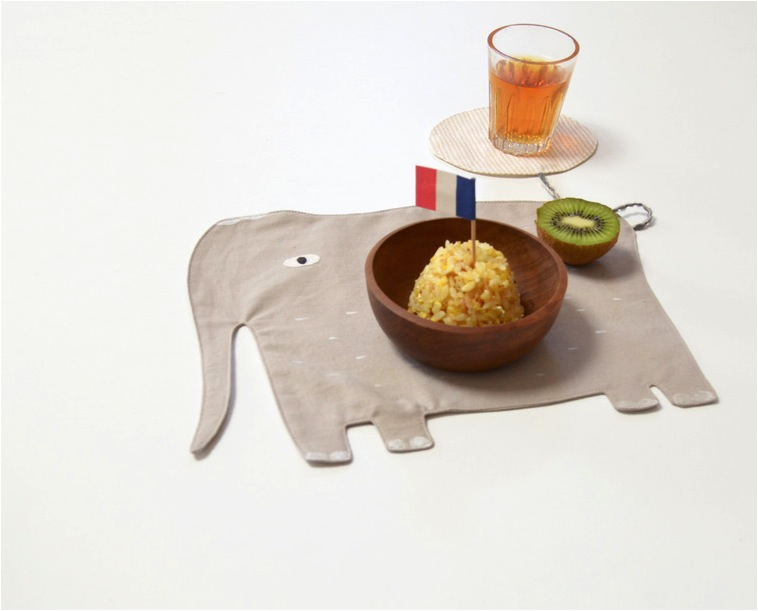 """cute tablemats for kids"""