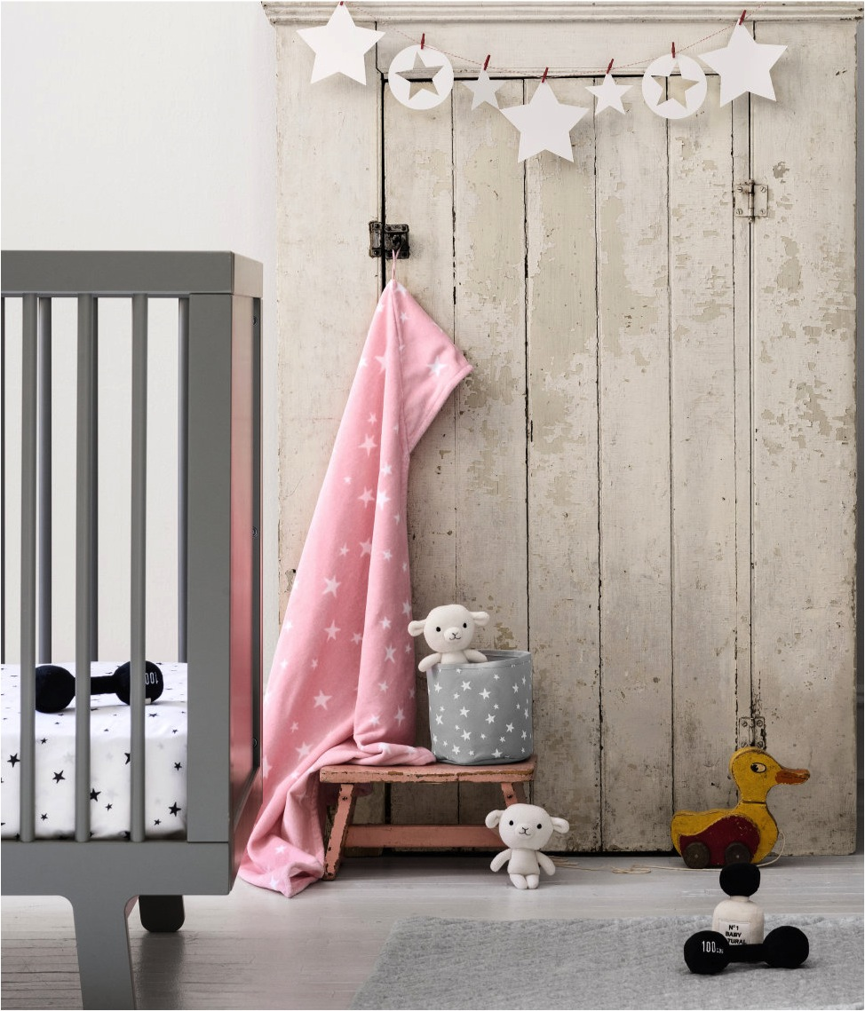 """H&M baby bedding collection"""