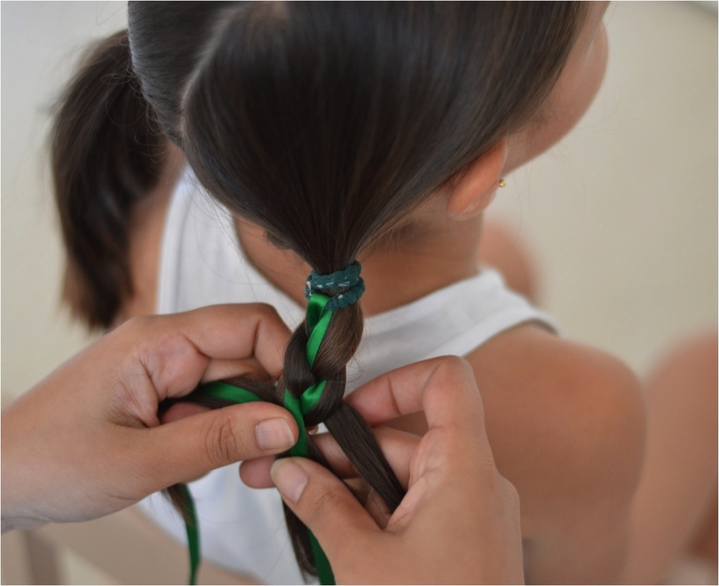 """how to eaily plait hair with ribbon"""