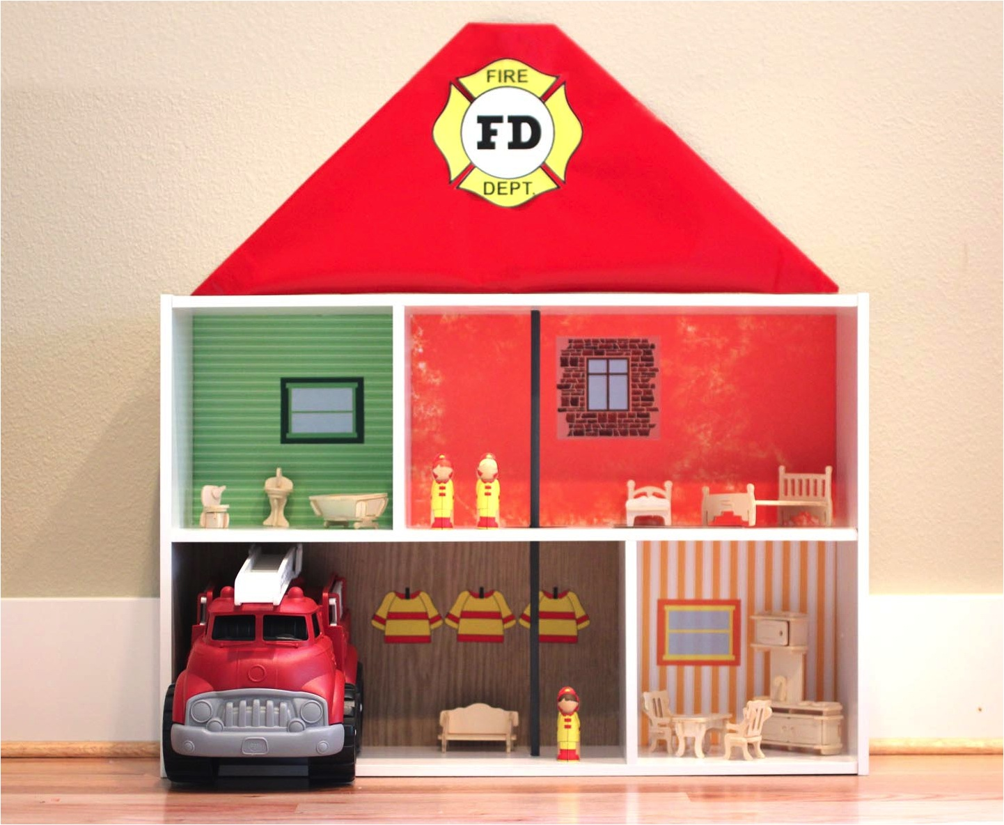 DIY bookshelf dolls house