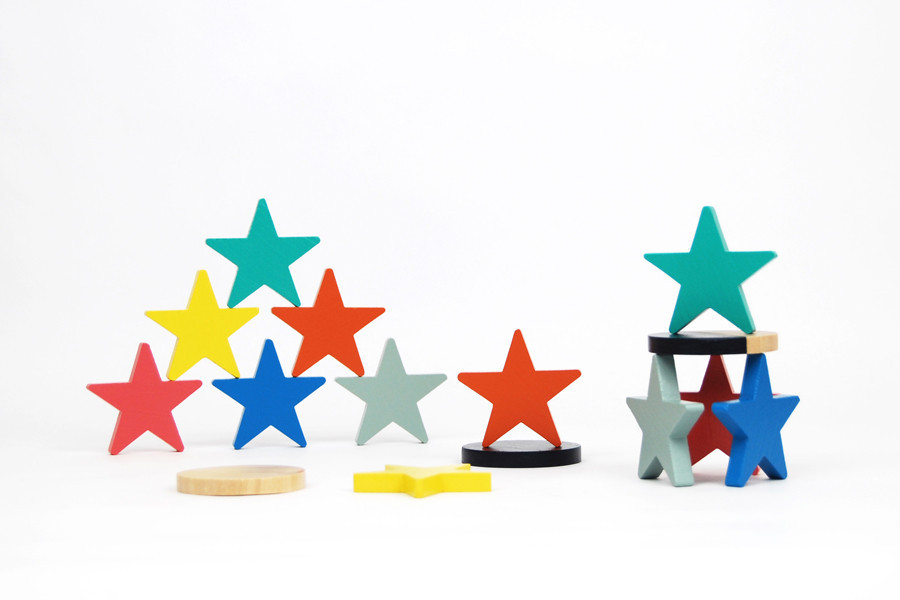 wooden stars stacking game