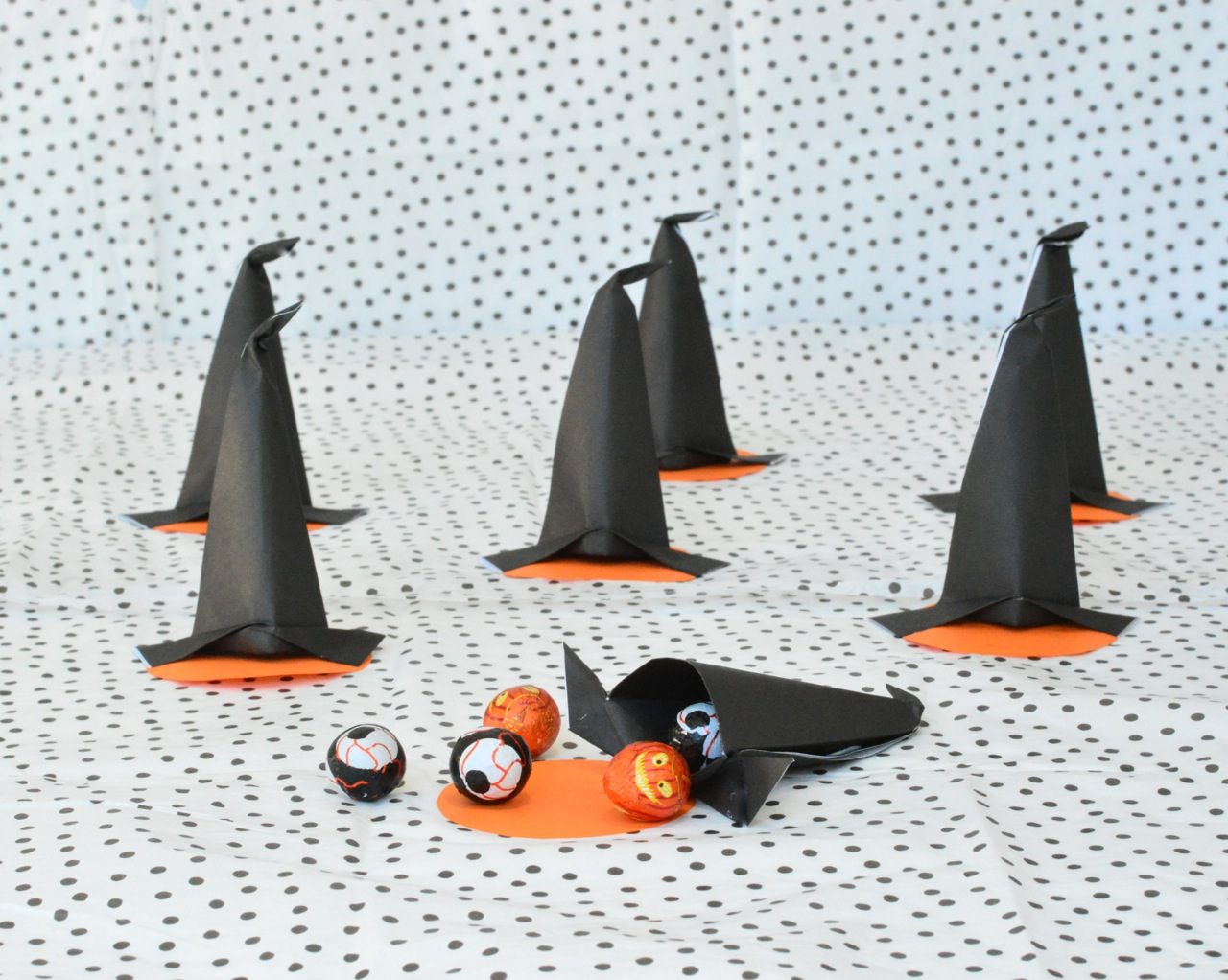 DIY witches hat halloween treat boxes