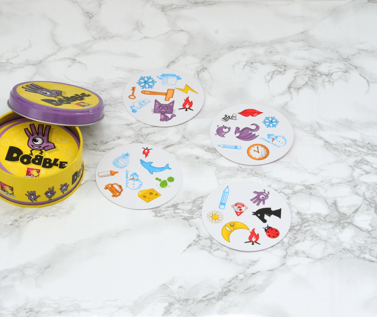 dobble family card game